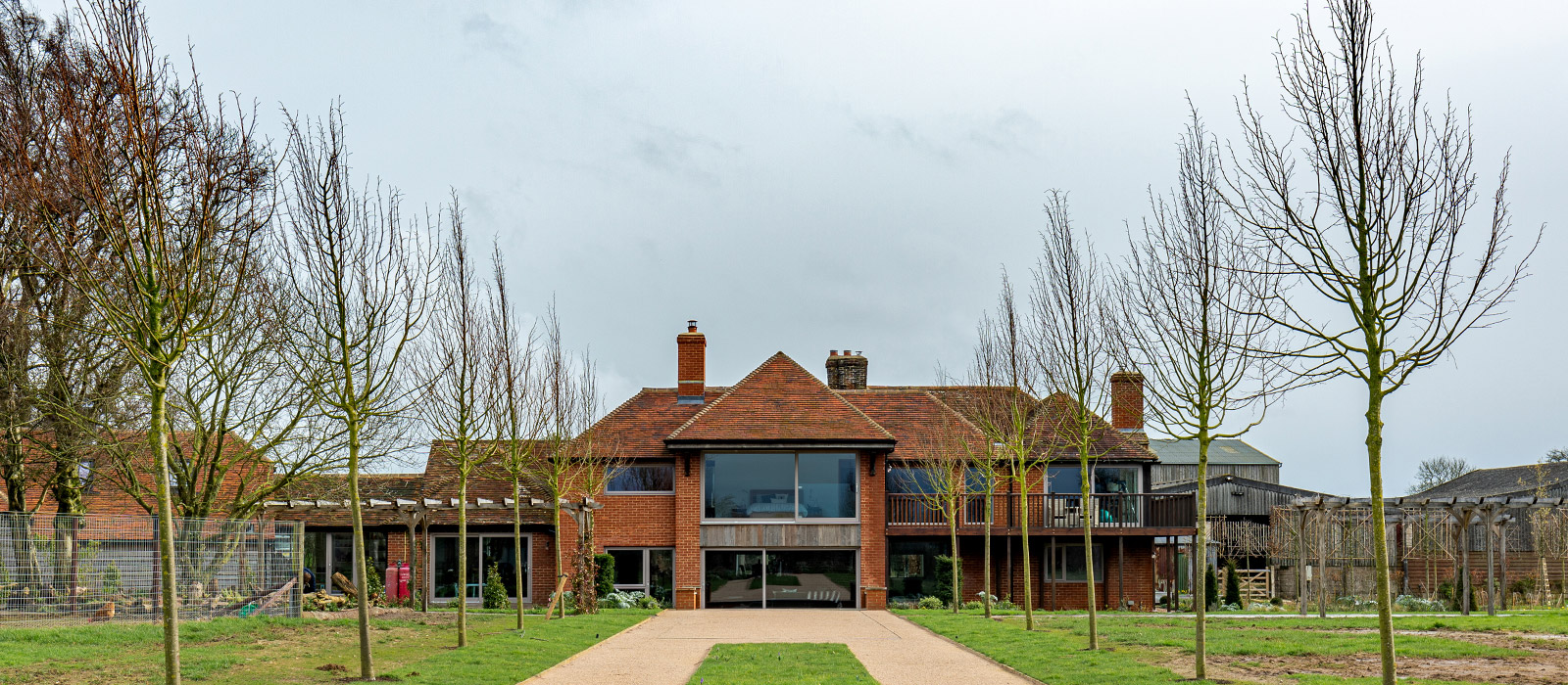 gyd-architecture   contemporary extension to old farm house