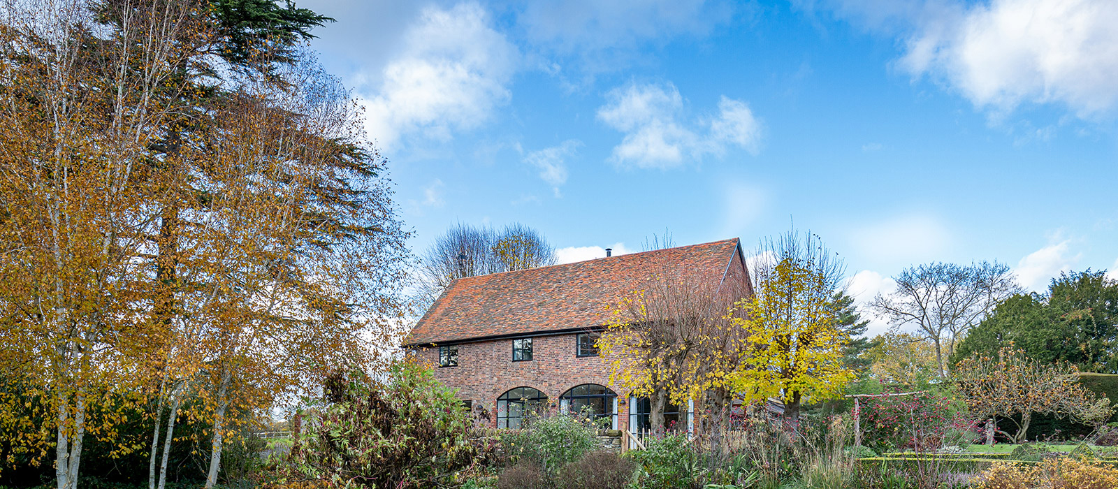 gyd-architecture | contemporary restoration to old coach house
